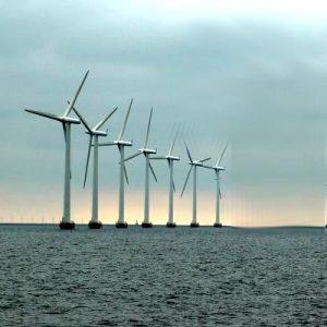 wiatraki w morzu
